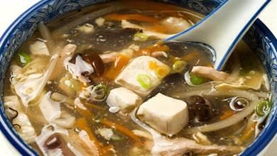 1塊豆腐,1個番茄,3分鐘就能搞定一道湯,喝完暖心又暖胃