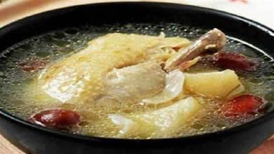 燉雞湯時,9成人第1步就錯了,難怪雞肉柴又僵,雞湯不鮮味不濃
