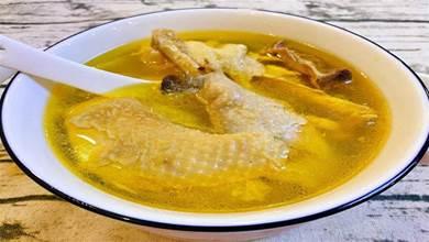 燉雞湯,直接下鍋燉不對!大廚教你正確做法,不腥不柴,滿屋飄香
