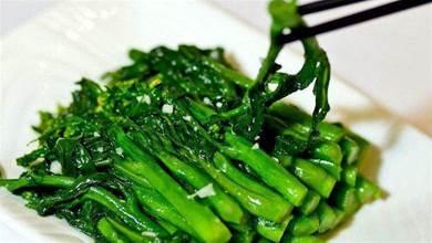 不管炒什麼青菜,牢記2個竅門,青菜鮮嫩翠綠,不比飯店裡的差