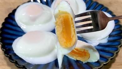 荷包蛋別再水煮了,用奶奶教的方法,一鍋做5個,圓潤不散不開花
