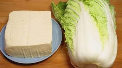 白菜燉豆腐怎麼做才好吃?原來訣竅在這裡,上桌連湯汁都能喝完
