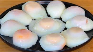 水煮荷包蛋我就服這種煮法,無散花,無白沫,又圓又嫩,超簡單!