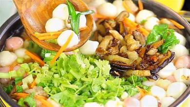 今天冬至,吃湯圓最應節氣,客家湯圓鹹香味好吃,暖胃