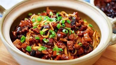 和老媽學的香菇肉醬,怎麼吃都好吃,食材簡單,一次就做出好味