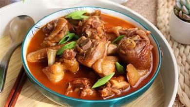 在家做黃燜雞,加「3醬」就燜,雞肉香,湯濃郁下飯