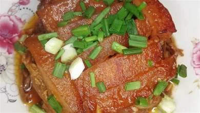 扣肉要做得好,三道程式少不了,一煮、二炸、三蒸