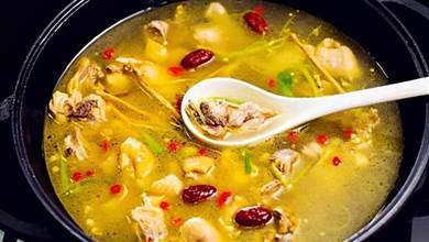 煲雞湯時,記住「3用2不用」,雞湯清亮鮮香,腥味小味道正