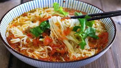 麵條好吃湯最關鍵,學會這種做法,色香味俱全,一次能喝兩大碗