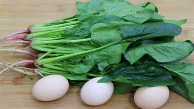 一把菠菜,三個雞蛋一起做,沒想到會這麼好吃,比吃大魚大肉過癮