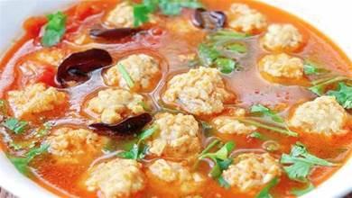 用豆腐做的丸子湯,想不到這麼好喝,食材簡單味道足,出鍋就喝光