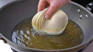 餃子皮扔進滾燙的油鍋中,瞬間變美食,我家一周吃5次,營養解饞