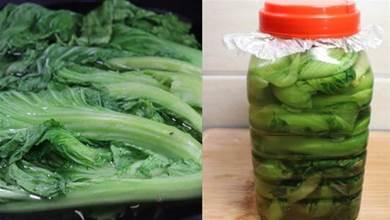 奶奶用了30年的醃酸菜做法,2分鐘學會,3天變酸,放1年都不壞